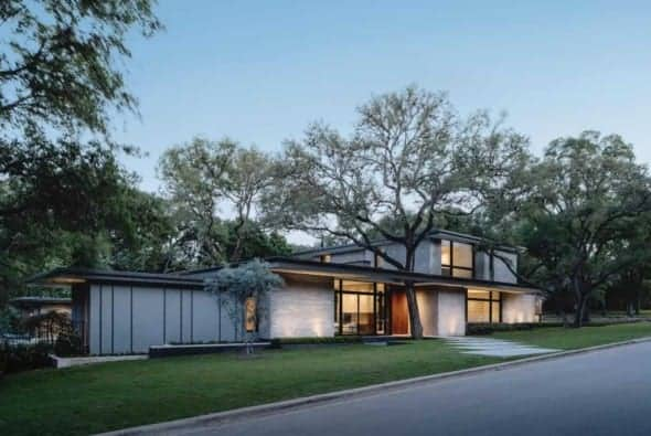 Rollingwood Residence by Michael Hsu Office of Architecture