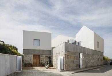 Casa Rio by PAULO MERLINI architects