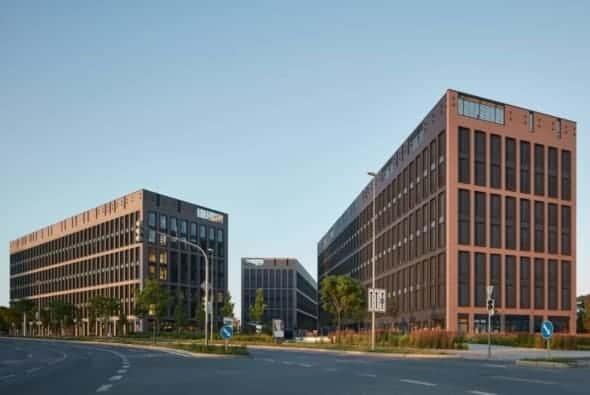 Rustonka Office Complex by CMC Architects