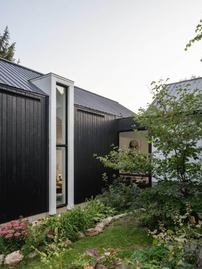 BLACKWOOD Studio by Atelier BOOM-TOWN