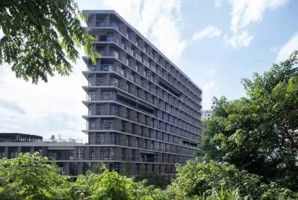 A minimal calm building may be more visible than we think