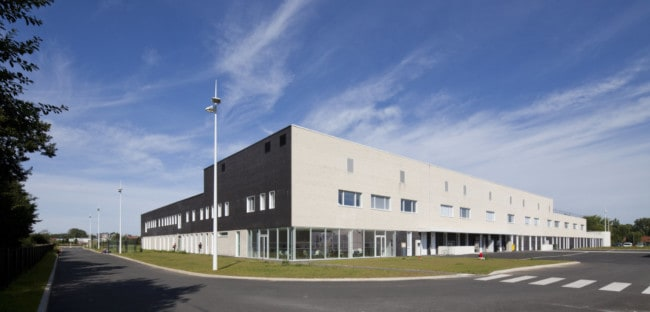 A Private hospital in Villeneuve d'Ascq by Pargade Architectes